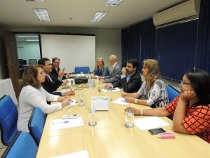 Dirigentes elaboram Nota Pública em repúdio às medidas do governo