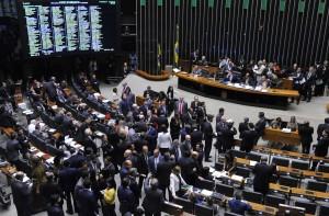 Plenário aprovou reajustes negociados desde 2015 com o governo Dilma, mas agora assumidos pelo governo Temer - Luis Macedo/Câmara dos Deputados