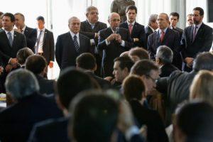 Michel Temer toma café da manhã com deputados e senadores da base aliada sobre Reforma da Previdência, no dia 18 de abril de 2017. Foto: Marcos Corrêa/PR/Agência Brasil