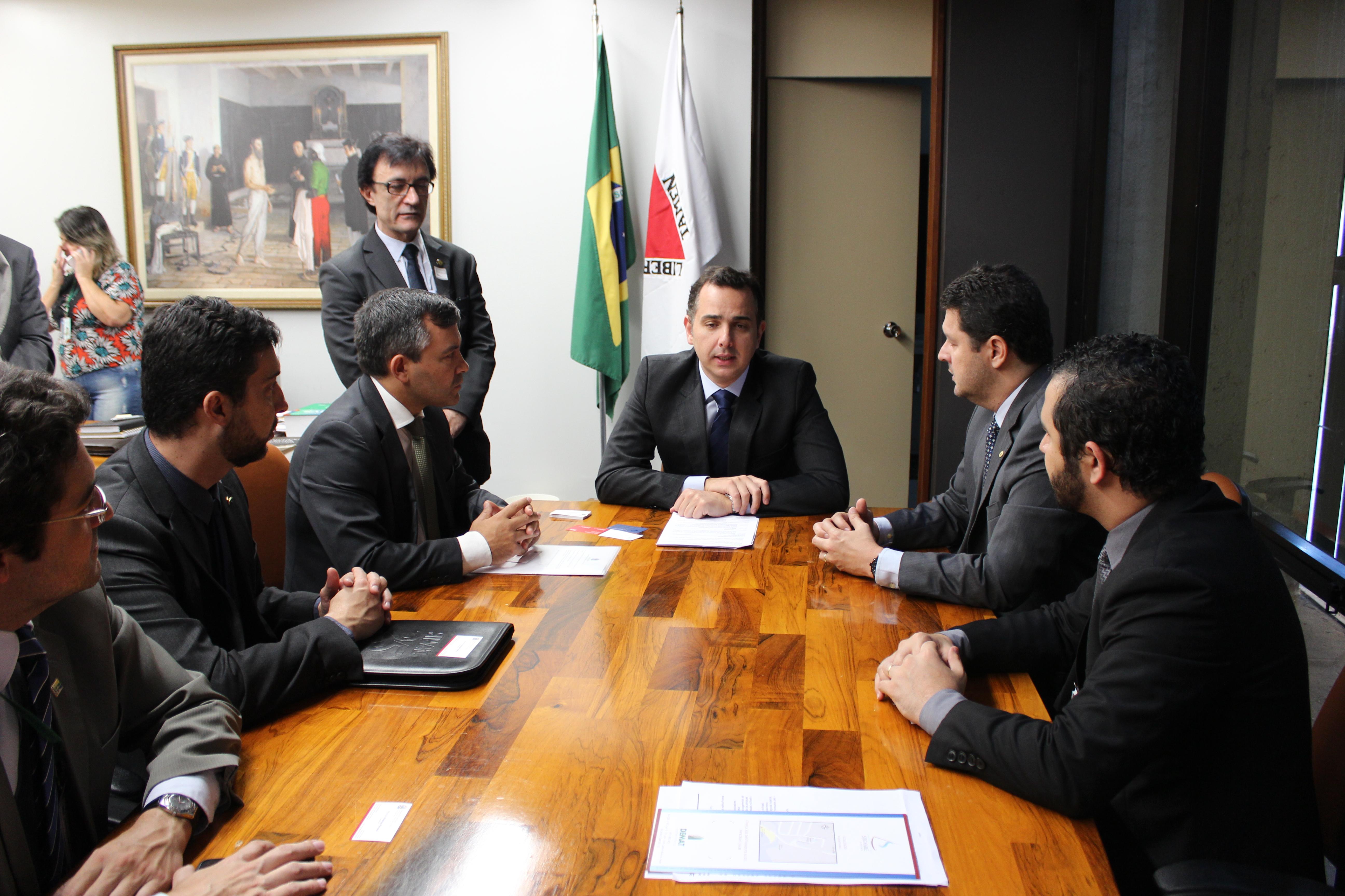 """Negociação Coletiva» Entidades e relator defendem aprovação imediata da proposta"""""""