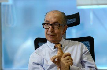 Entrevista do Secretário Marcos Cintra evidencia a quebra da paridade dos aposentados através do Bônus de Eficiência.